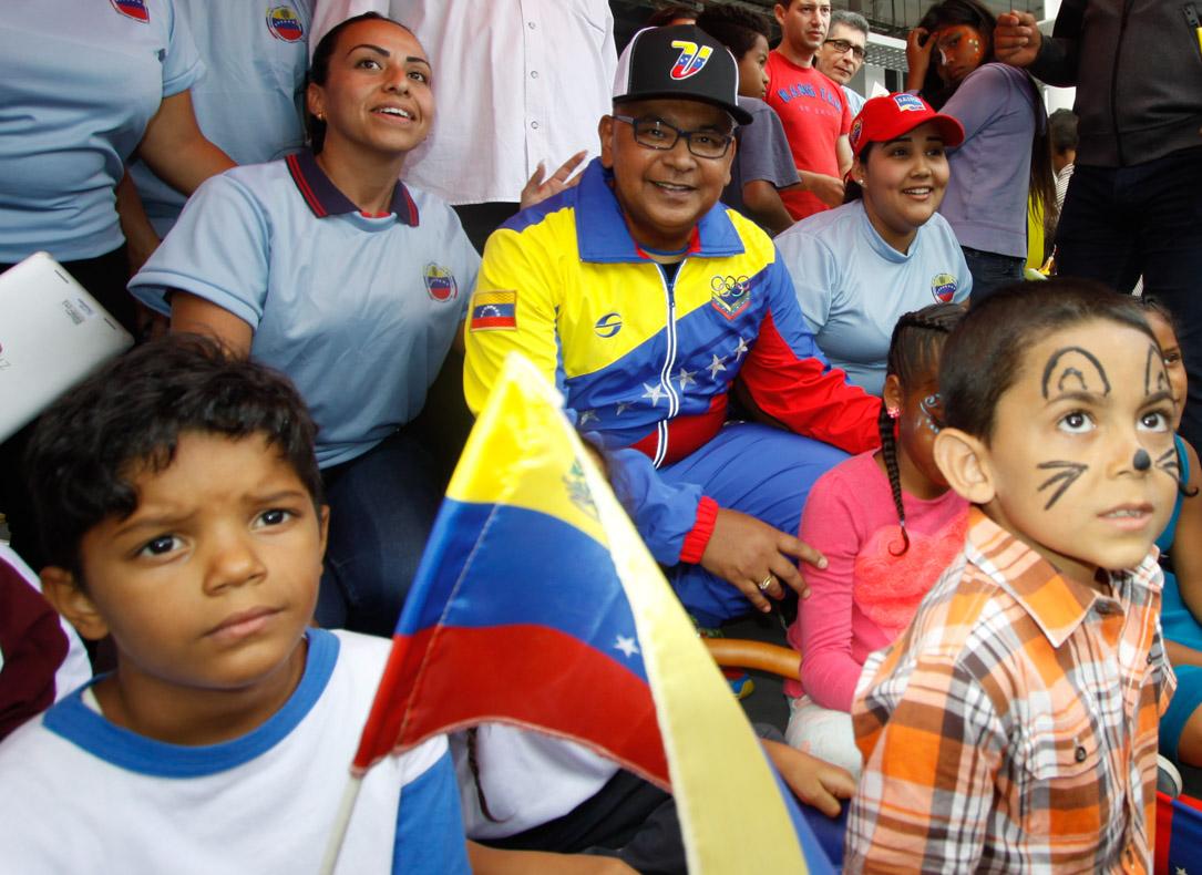 Mpprijp entrega obsequios a 200 niños de fundaciones en Caracas (24)