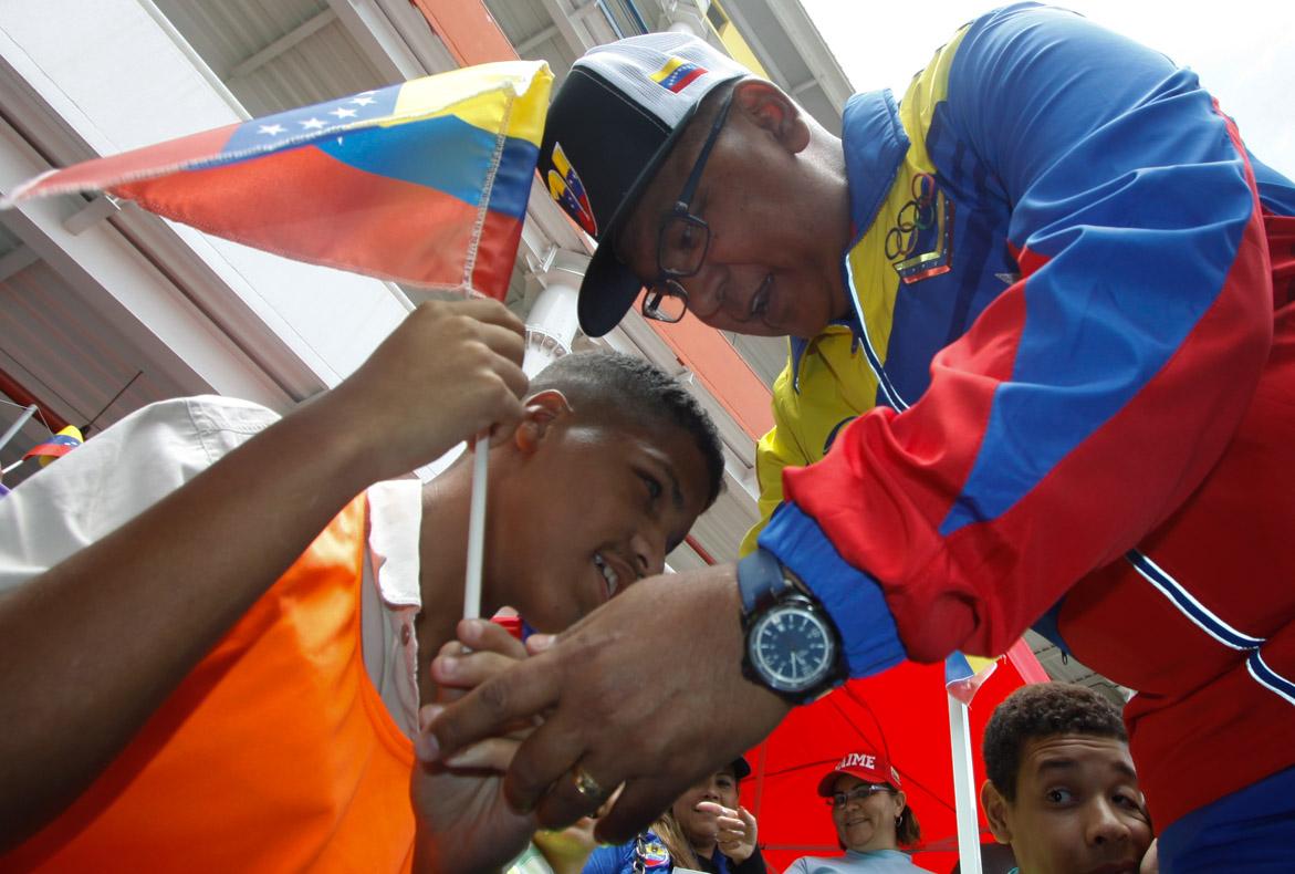 Mpprijp entrega obsequios a 200 niños de fundaciones en Caracas (30)