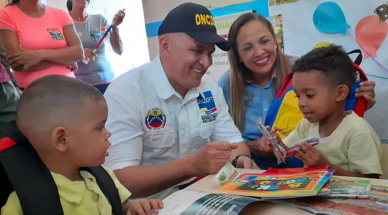 Frente Preventivo entregó kits escolares en CEI Guaicamacuto del estado La Guaira