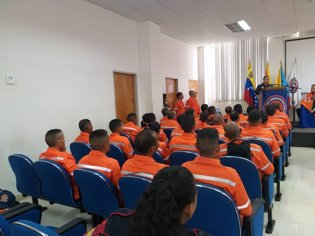 Funcionarios de la Redan Central fortalecen conocimientos para la atención del pueblo (5)