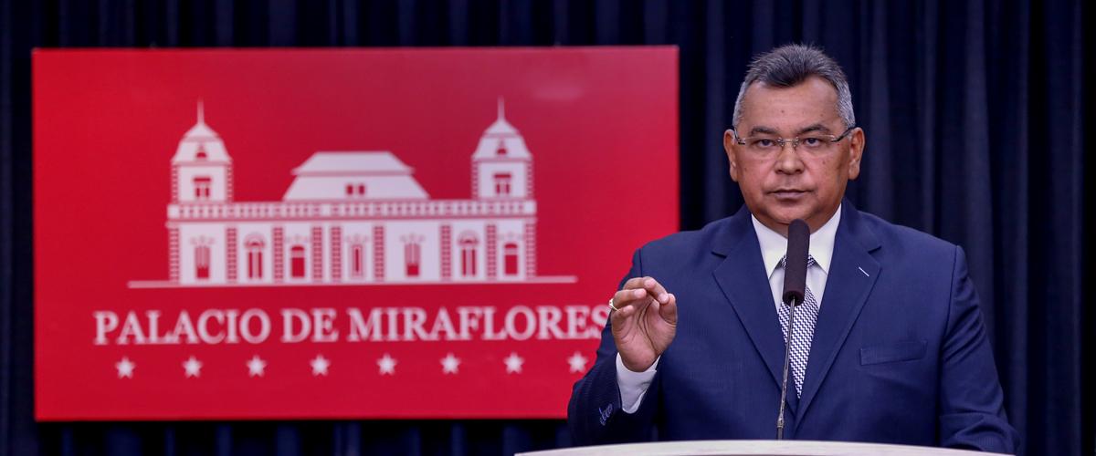 Ministro Reverol muestra pruebas que vinculan a Juan Guaidó con paramilitares