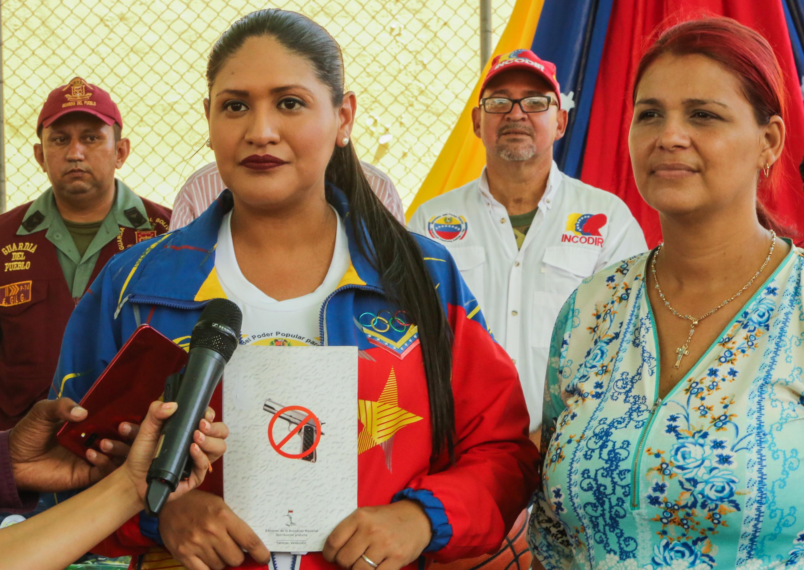 Frente Preventivo entregó útiles escolares a más de mil estudiantes guaireños (5)