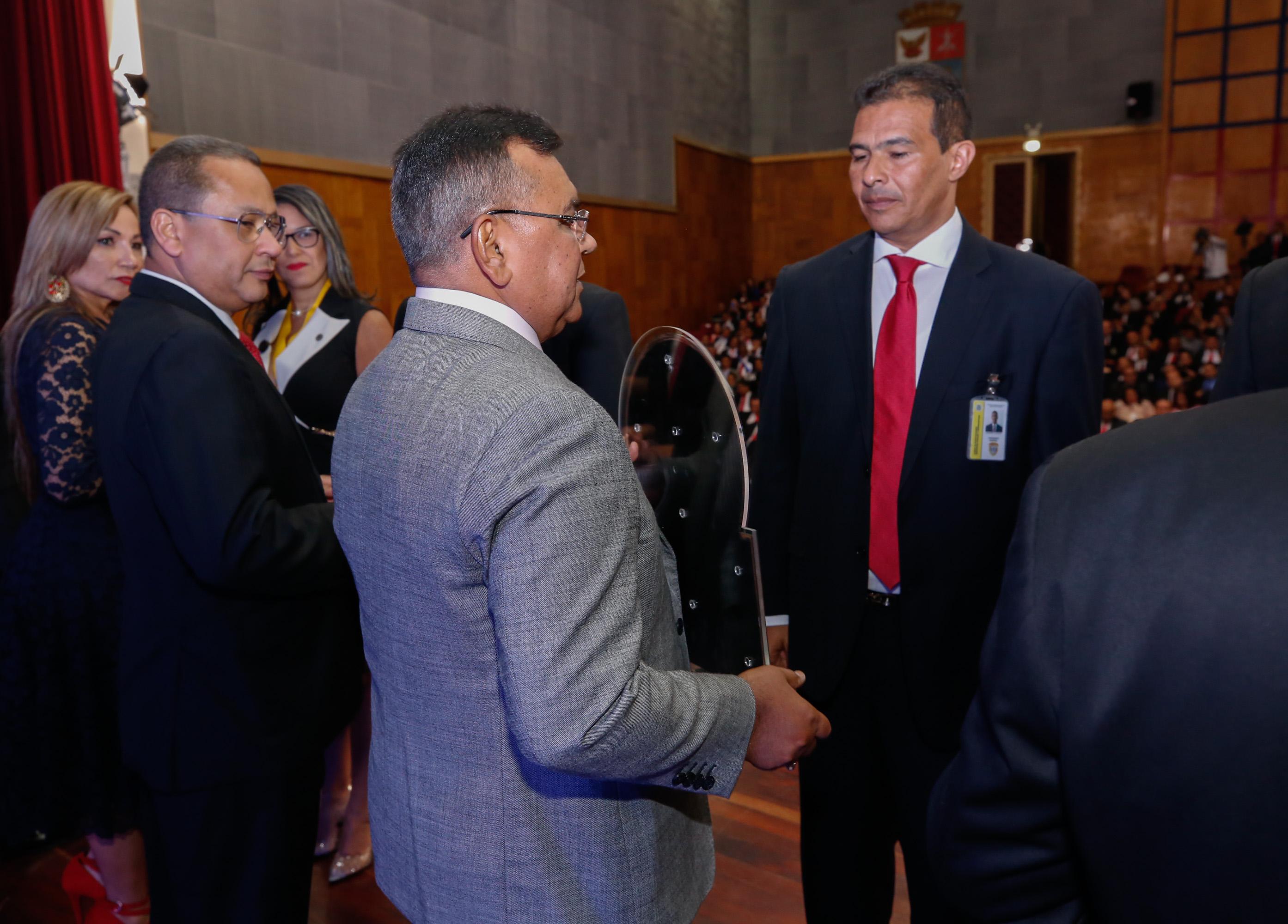 Carabobo, Distrito Capital y Bolívar galardonados con premio Caso Cangrejo (1)