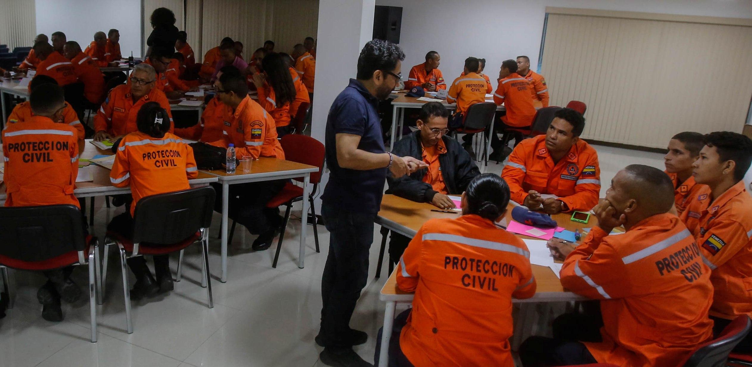 """Funcionarios de Protección Civil se capacitan en """"Logística para Emergencias y Desastres"""" (9)"""