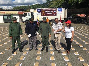 GNB incautó mil 594 panelas de marihuana en Guárico (2)