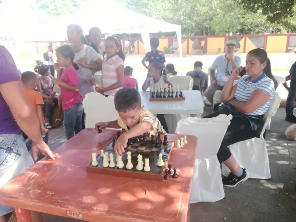 Más de 700 habitantes de Lara beneficiados con la jornada Navidad en Prevención (1)