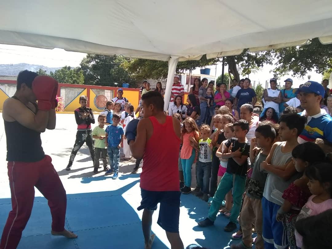 Más de 700 habitantes de Lara beneficiados con la jornada Navidad en Prevención (5)