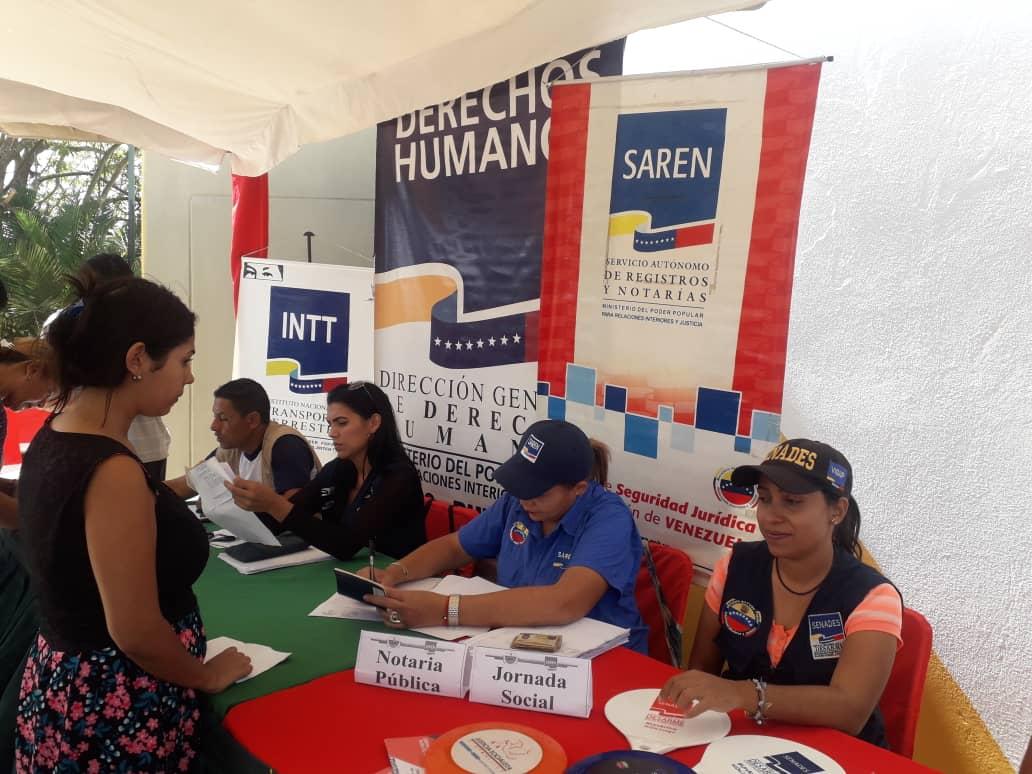 Más de 700 habitantes de Lara beneficiados con la jornada Navidad en Prevención (6)