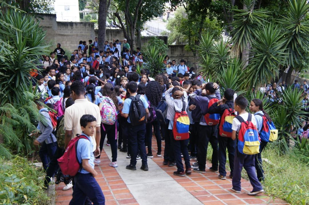 Simulacro de desalojo en escuela técnica de Coche promueve la cultura preventiva en estudiantes (1)
