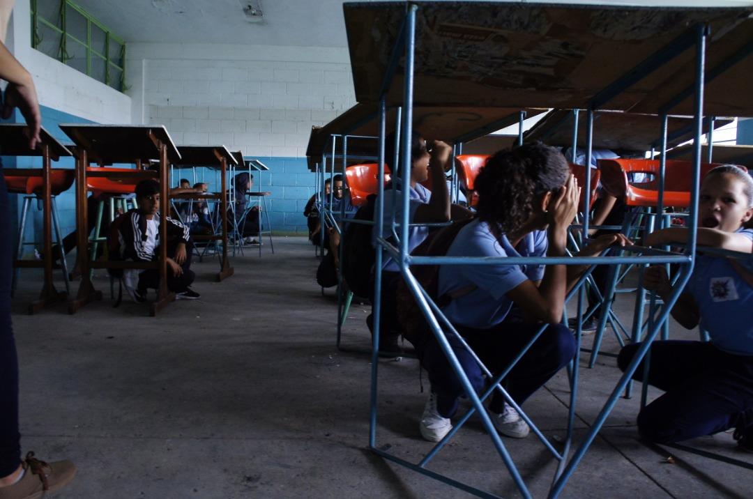 Simulacro de desalojo en escuela técnica de Coche promueve la cultura preventiva en estudiantes (3)