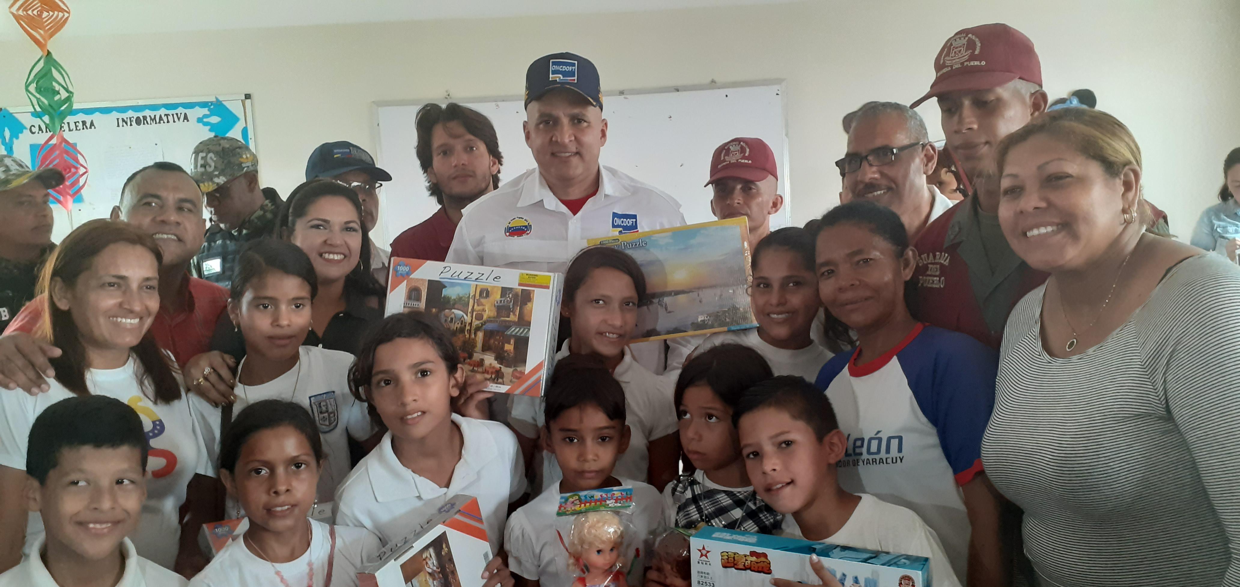 Frente Preventivo entrega juguetes a niños de la Base de Misiones Rosa Inés 21 en Yaracuy