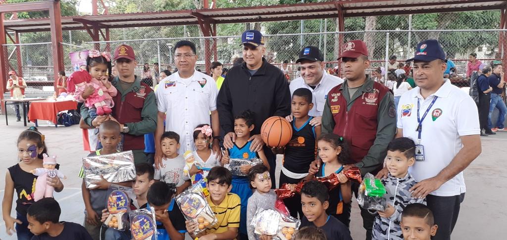 Más de 100 juguetes fueron entregados a niños de las parroquias El Valle y Coche