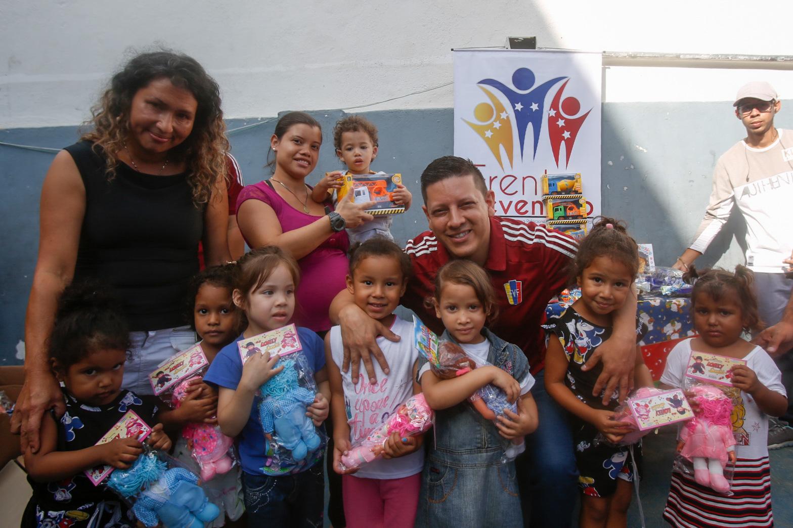 Frente Preventivo del Mpprijp entregó 112 juguetes en el Refugio Posada de Catia