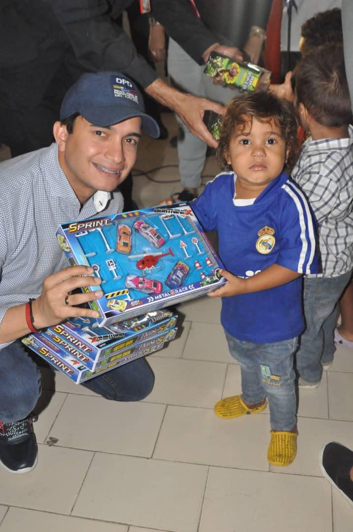 Niños del refugio La Pomarrosa recibieron juguetes por parte del Frente Preventivo