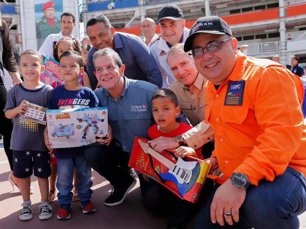 Más de 59 mil juguetes fueron entregados a los hijos de trabajadores del Mpprijp
