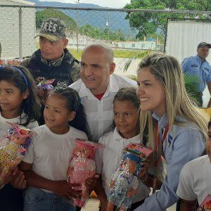 Entregados juguetes a niños y niñas por el Día de los Reyes Magos en Yaracuy (4)