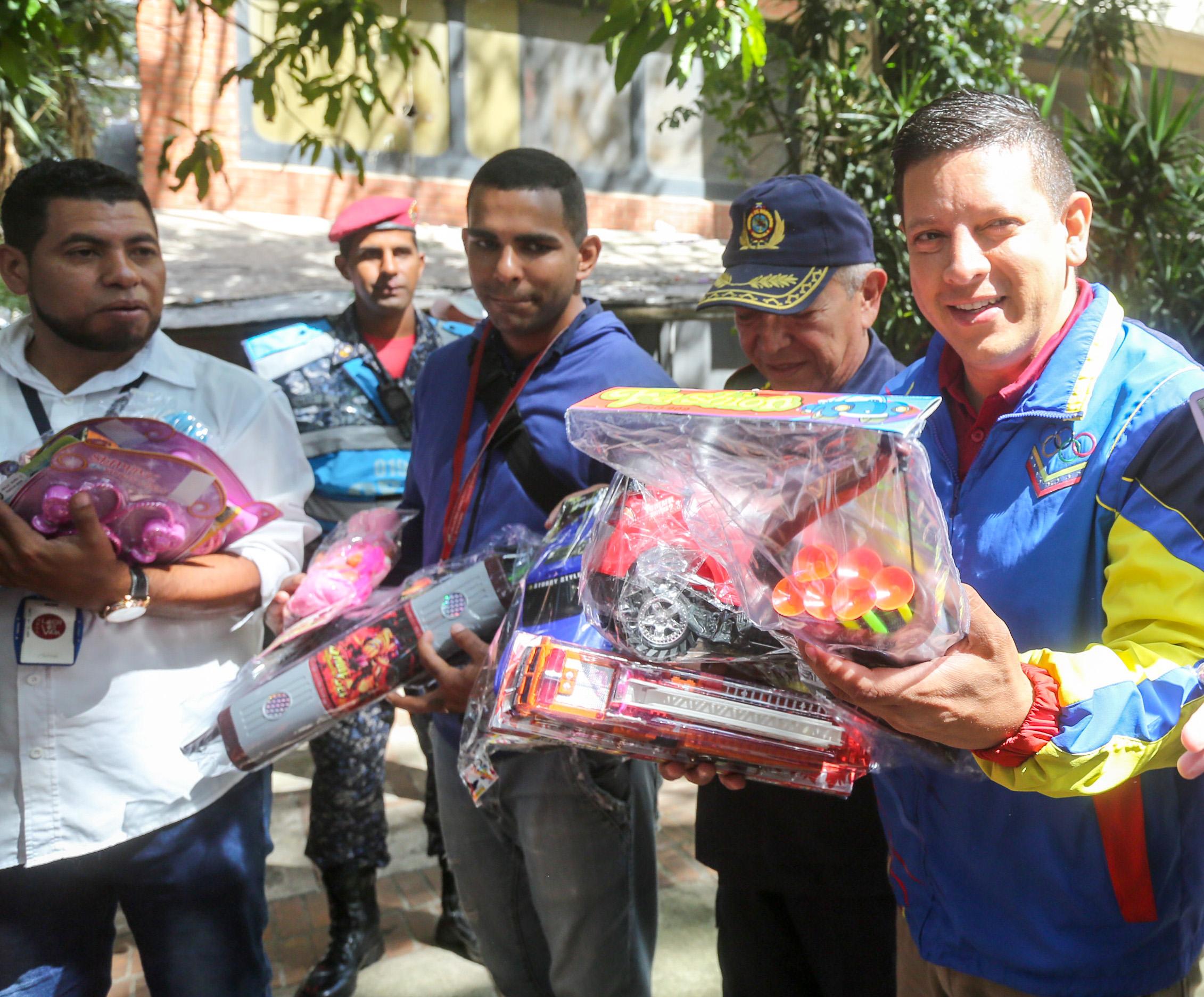 Frente preventivo entrega 24 mil juguetes en todo el país (5)