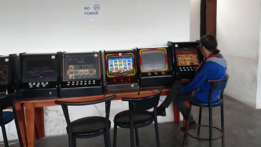Incautan 49 máquinas traganíqueles en local clandestino en Carrizal (2)