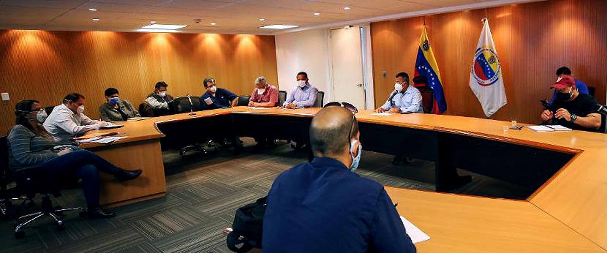 Gobierno nacional coordina estrategias para suministrar oxígeno al sistema público de salud