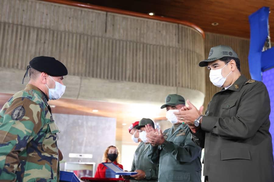 Condecorados funcionarios que participaron en Operación Negro Primero