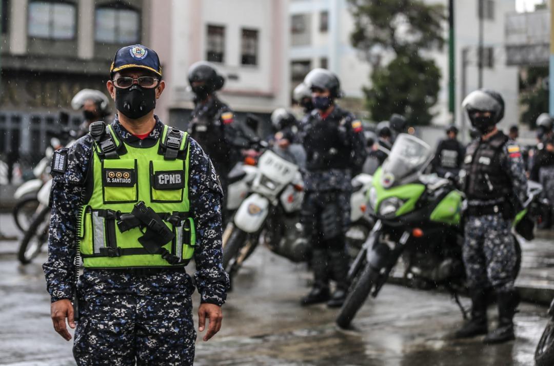 Funcionarios policiales continúan desplegados en la parroquia Sucre de Caracas