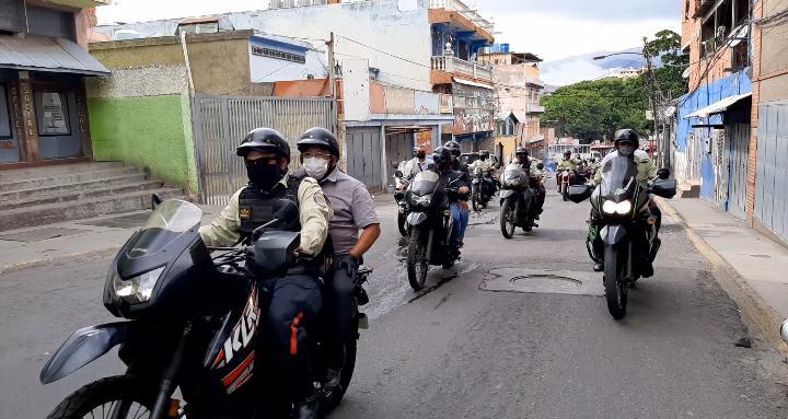 Más de 60 funcionarios Policaracas desplegados en La Vega para garantizar cumplimiento de medidas de bioseguridad