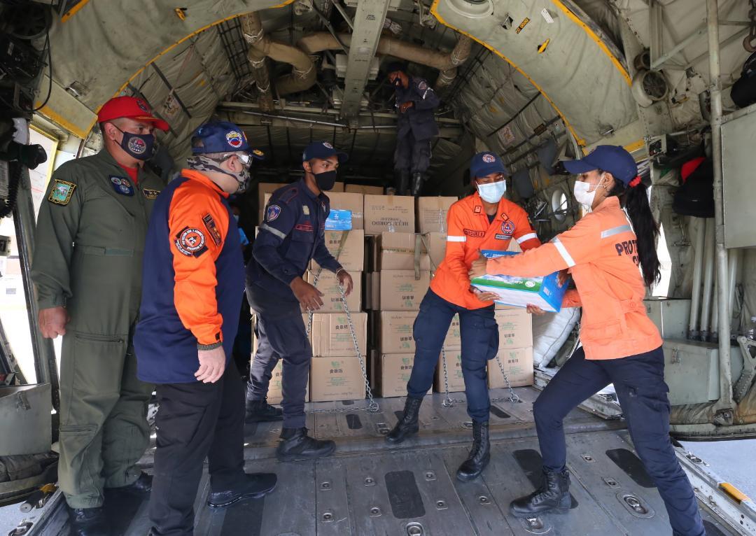 Enviadas 10 toneladas de enseres y alimentos a Santa Elena Uairén