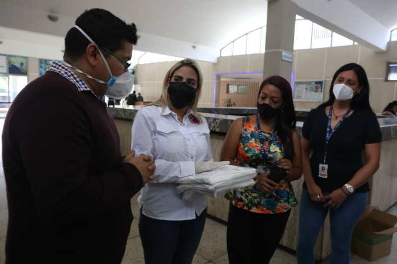 Entregan kits de bioseguridad a seis hospitales de Caracas