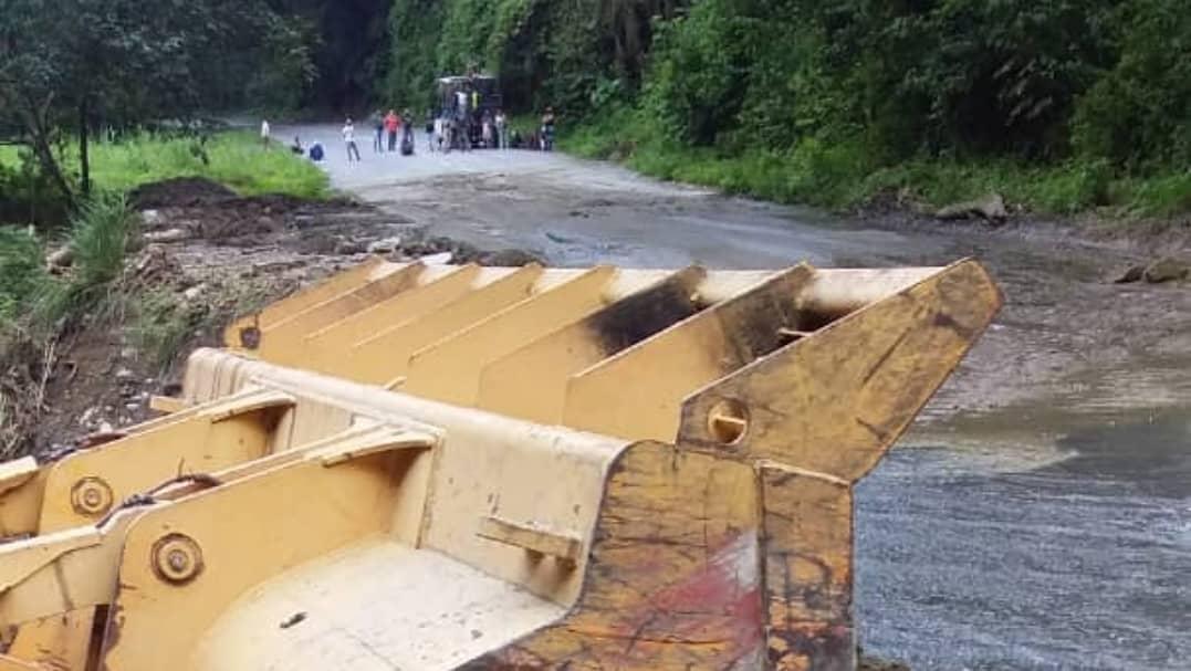 Restablecido el tránsito en la carretera hacia Ocumare de la Costa