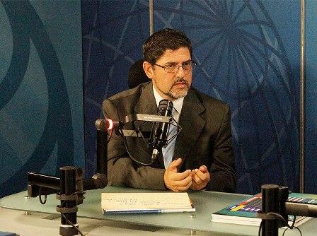 Pablo Fernández: La humanidad enfrenta tres amenazas estratégicas
