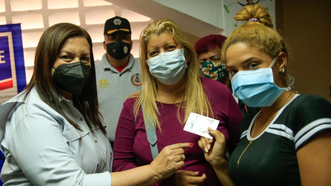 Ministra Meléndez inspeccionó Jornada Integral Social en La Vega
