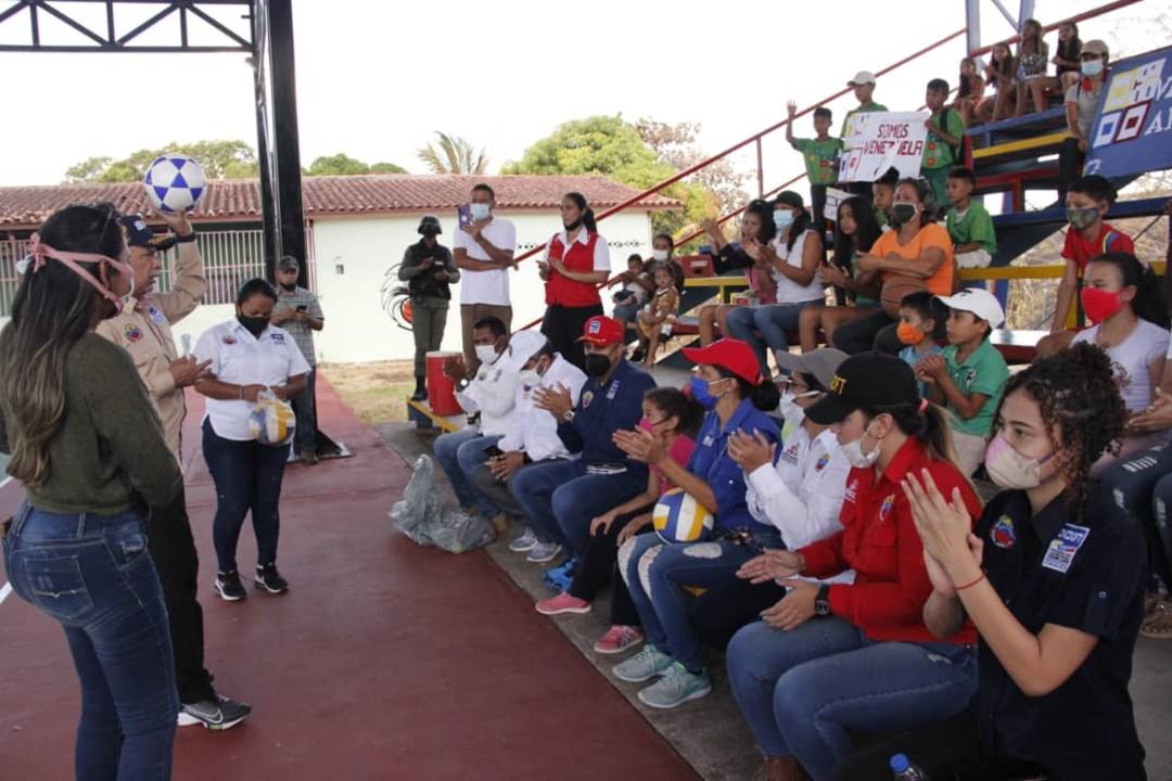 SNA entrega cancha deportiva rehabilitada en Amazonas