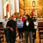 Almiranta en Jefa Carmen Meléndez se reunió con párroco de la Iglesia La Candelaria