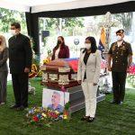 Vicepresidenta Carmen Meléndez participó en honores en Capilla Ardiente al ministro Oswaldo Barbera