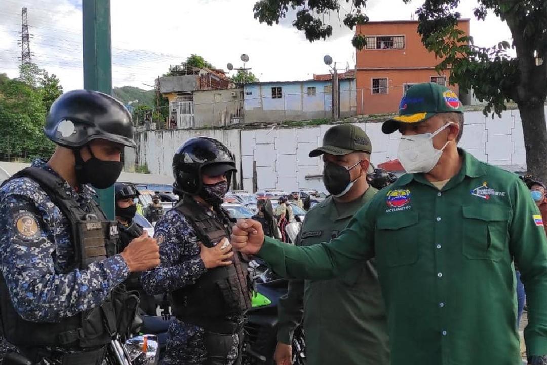 Despliegue de seguridad en 18  Cuadrantes de Paz en  Macarao, Caricuao y Antímano